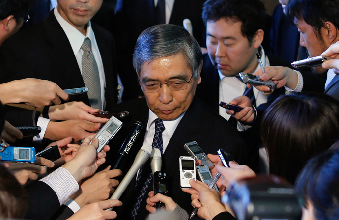 Bank of Japan's (BOJ) new Governor Haruhiko Kuroda (C) speaks to the media after receiving an appointment letter from Japan's Prime Minister Shinzo Abe at Abe's official residence in Tokyo March 21, 2013 (Reuters / Toru Hanai)