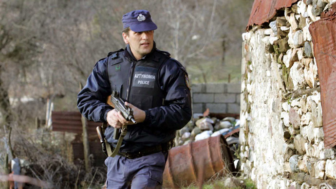Greek prison break: Grenade and rifle assault leaves 2 wounded, 11 prisoners at large