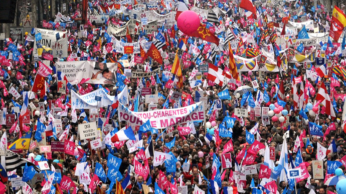 Thousands rally against France's gay marriage bill before parliament reading (PHOTOS)