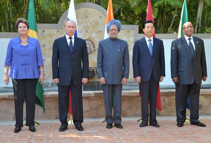 "June 18, 2012. Delegation leaders from countries participating in the emerging economies association BRICS: Brazil's President Dilma Rusef, Russian President Vladimir Putin, Indian Prime Minister Manmohan Singh, Chinese President Hu Jintao and South African President Jacob Zuma (from left) at a photograph session during a meeting at the hotel ""One and Only Palmilia"" in Los Cabos, Mexico.(RIA Novosti / Aleksey Nikolskyi)"