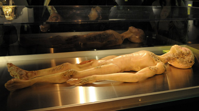 А model depicting the 1947 Alien Autopsy in Roswell, New Mexico (AFP Photo)
