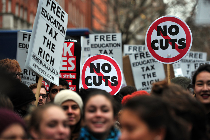 Anti-austerity cut protestors demonstrate outside the offices of the European Commission Representation in the UK in central London (APF Photo / Leon Neal)