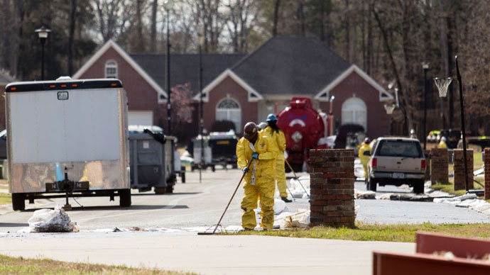 FAA puts no-fly zone over Arkansas oil spill with Exxon employee in charge