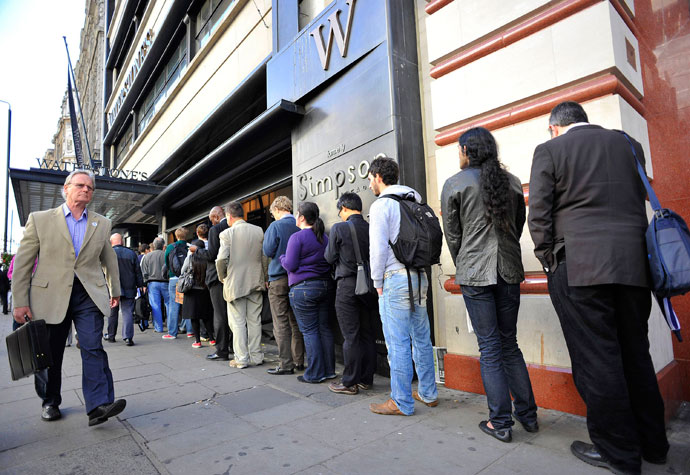 A queue into one on the stores of the UK's Waterstones book retail chain. (Reuters / Toby Melville)