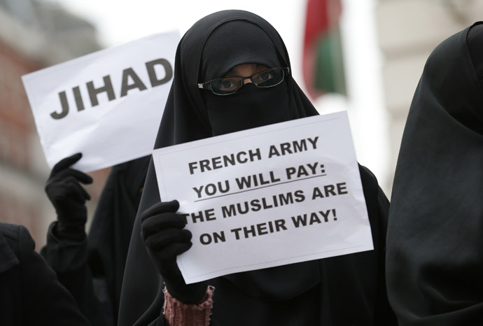 British Islamists protest outside the French Embassy in London January 12, 2013. (Reuters/Suzanne Plunkett)