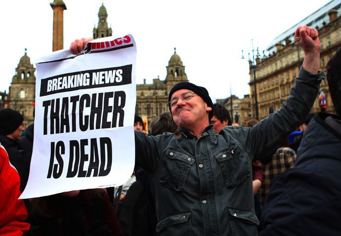 A man reacts as he attends a gathering of people celebrating the death of former British prime minister Margaret Thatcher, in George Square in Glasgow, Scotland April 8, 2013. (Reuters)