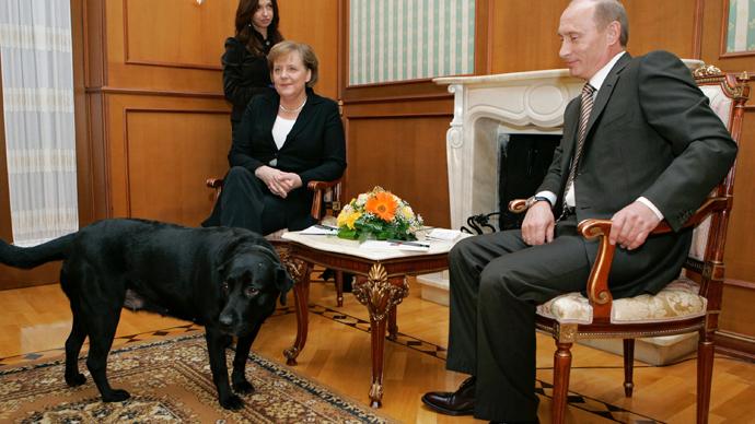 German Chancellor Angela Merkel and Russian President Vladimir Putin at the Bocharov Ruchei presidential residence, Sochi (RIA Novosti / Dmitry Astakhov)