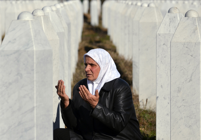 Memorial cemetery in Potocari, near Eastern-Bosnian town of Srebrenica (AFP Photo / Elvis Barukcic)