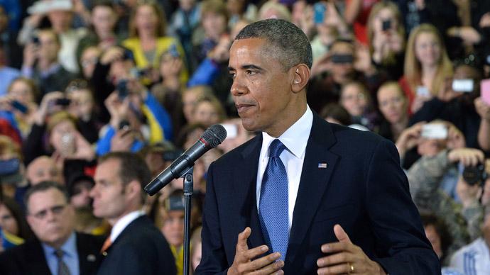 US President Barack Obama speaks to Boston Athletic Association volunteers in Boston, Massachusetts, on April 18, 2013. (AFP Photo/Jewel Samad)