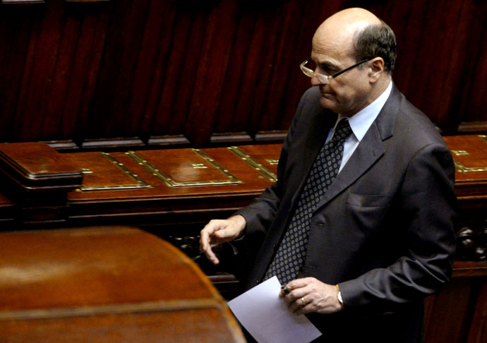 Democratic Party (PD) general secretary Pier Luigi Bersani prepares to vote for the election of Italy's President on April 20, 2013.(AFP Photo / Andreas Solaro)