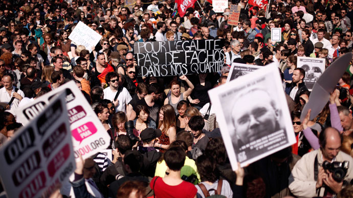 Pro gay marriage protesters gather at Bastille square to protest against homophobia on April 21, 2013 in Paris.(AFP Photo / Guillaume Baptiste)