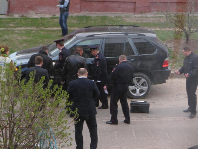 Investigators inspect the Belgorod shooting suspect's car (Image: Twitter user @cityofgood31)