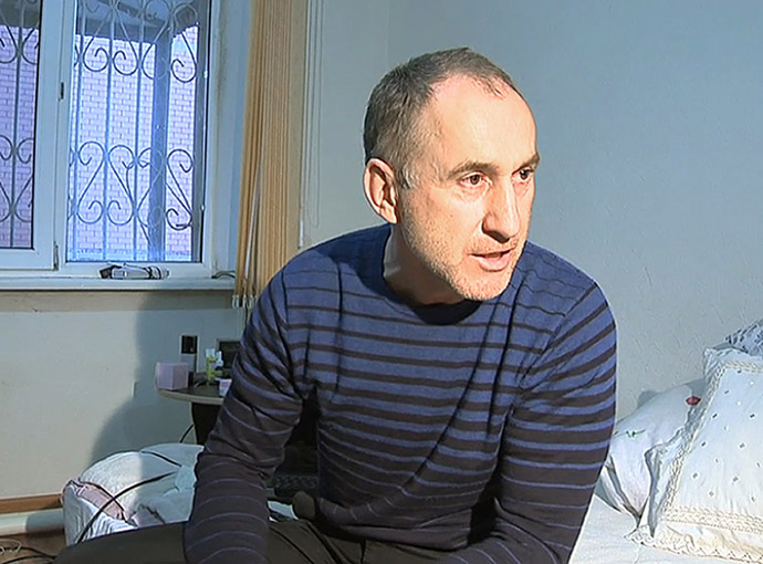 A frame grab from a video taken on April 19, 2013, shows Anzor Tsarnaev, the father of the suspected Boston bombers, brothers Tamerlan and Dzhokhar Tsarnayev, speaking with journalists at home Makhachkala, the capital Russia's North Caucasus region of Dagestan. (AFP Photo)