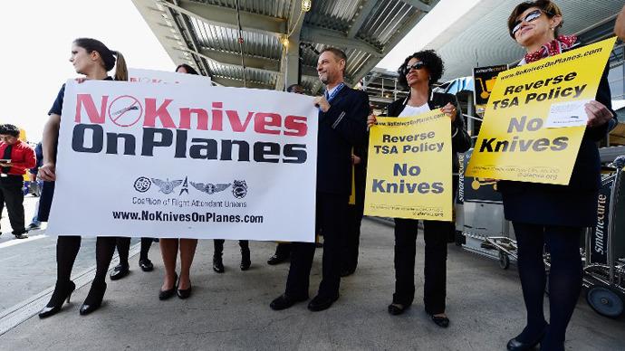 TSA delays lifting ban on knives on board