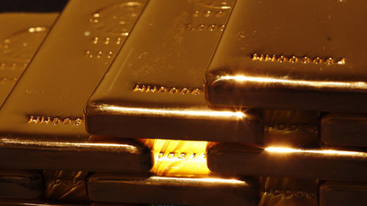 Russia seeks safe haven in gold, away from dollar and euro
