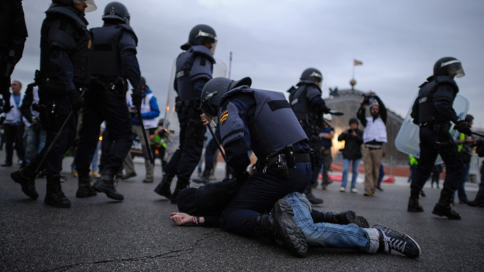 EU against austerity: Protesters clash with police amid unrest in Spain, Portugal
