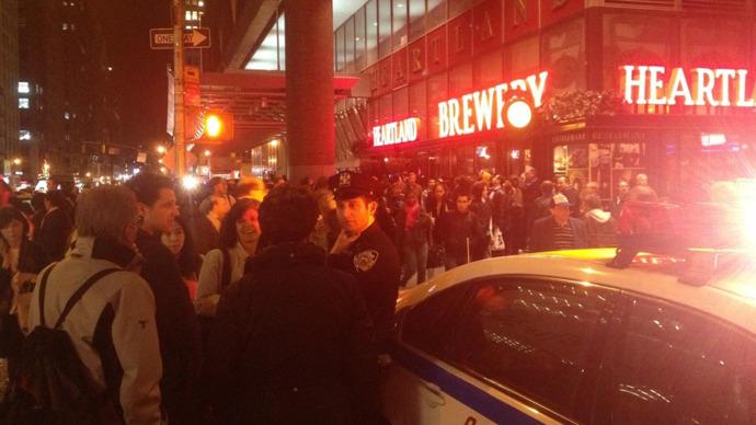 Main Manhattan bus terminal all clear after 'suspicious package' evacuation