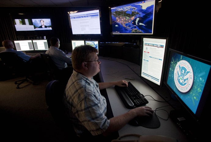 Analysts work in a watch and warning center of a cyber security defense lab at the Idaho National Laboratory in Idaho Falls, Idaho (Reuters/Jim Urquhart)