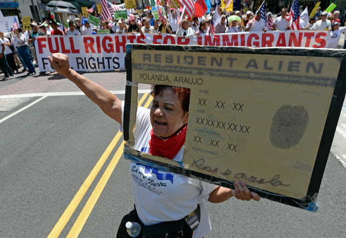 Rosa Araujo participates with thousands of people in the May Day march and rally on May 1, 2013 in Los Angeles, California (Kevork Djansezian / Getty Images / AFP)