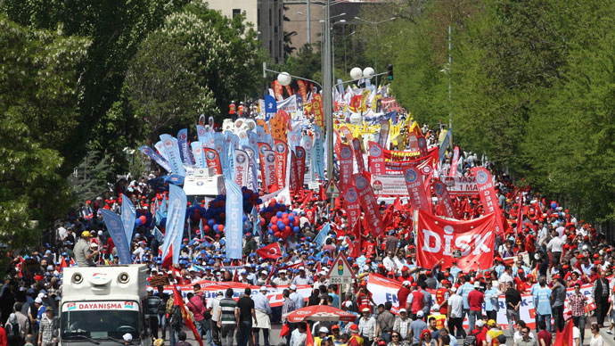 Tens of thousands of people gathered for a rally on May Day in Ankara on May 1, 2013. (AFP Photo / Adem Altan)
