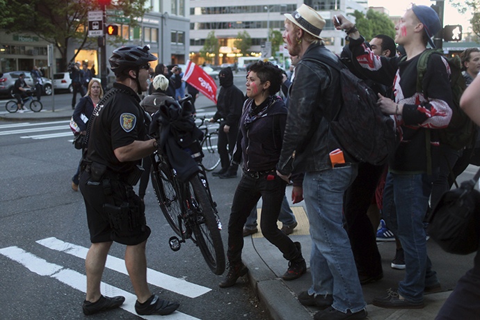 Police and demonstrators clash during May Day demonstrations in Seattle, Washington May 1, 2013. (Reuters / Matt Mills McKnight)