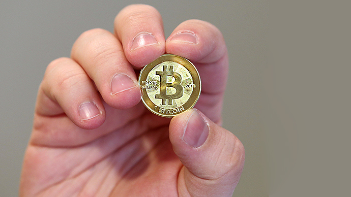 Americans fed up with currency manipulations, turn to Bitcoin