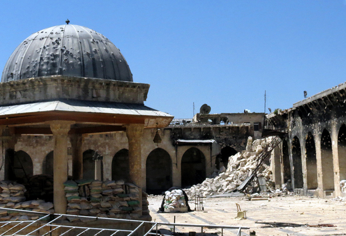 The rubble of the minaret of Aleppo's ancient Umayyad mosque, in the UNESCO-listed northern Syrian city (AFP Photo)