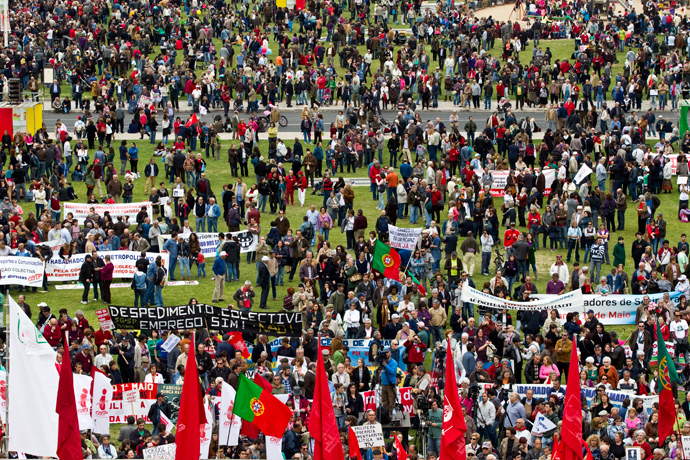 General View of Alameda Square during the May Day protest rally in downtown Lisbon on May 1, 2013 (AFP Photo / Henriques Da Cunha)