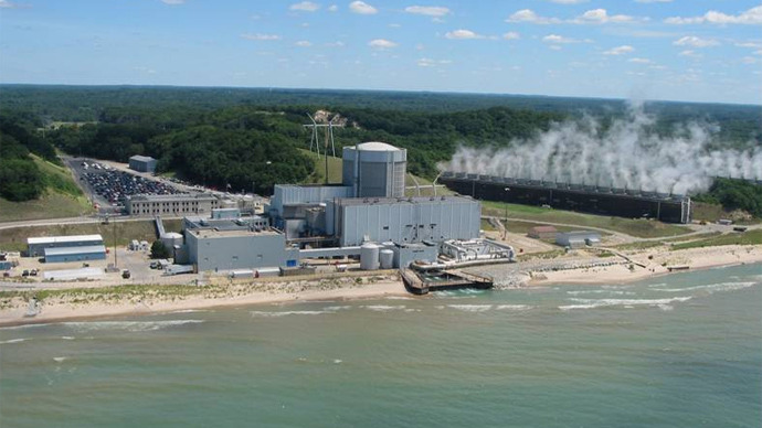 Palisades nuclear plant shut-down after leak