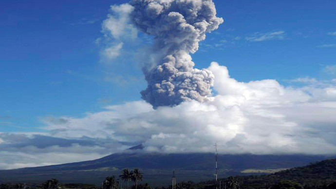 5 Climbers killed after Volcano erupts in Philippines