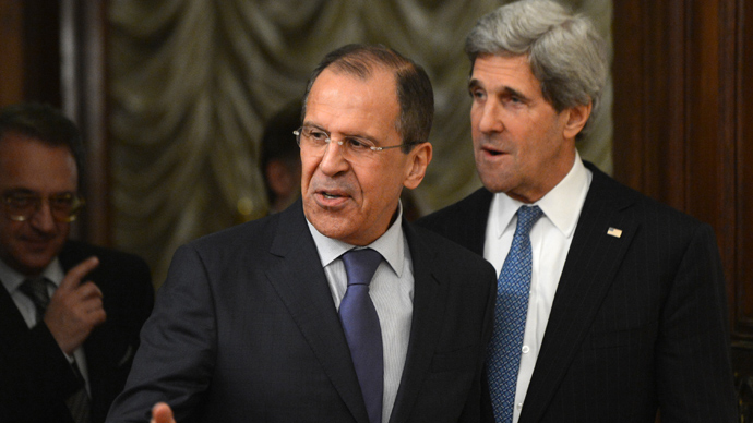 US Secretary of State John Kerry (R) and his Russian counterpart Sergei Lavrov hold talks in the Foreign Ministry Osobnyak in Moscow on May 7, 2013 (AFP Photo)