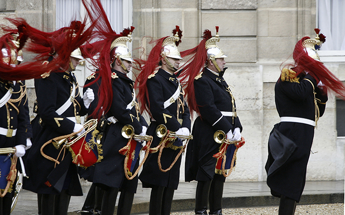 France's Republican guards. (Reuters / Charles Platiau)