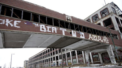 Bankrupt Detroit pays lawyers $1,000 an hour