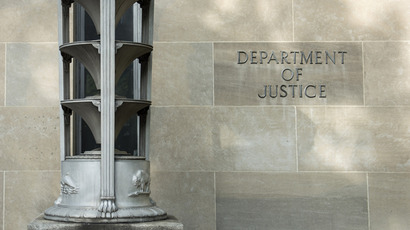 Former FBI agent to plead guilty in AP leak case