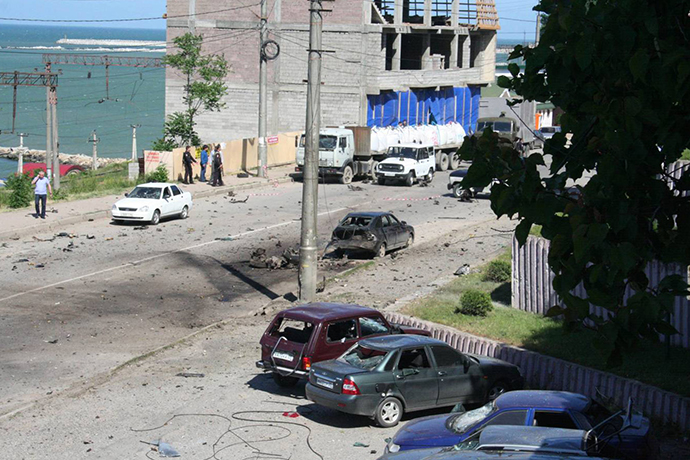 At the site where bombs exploded near the bailiff service building in Makhachkala on May 20, 2013. (RIA Novosti)