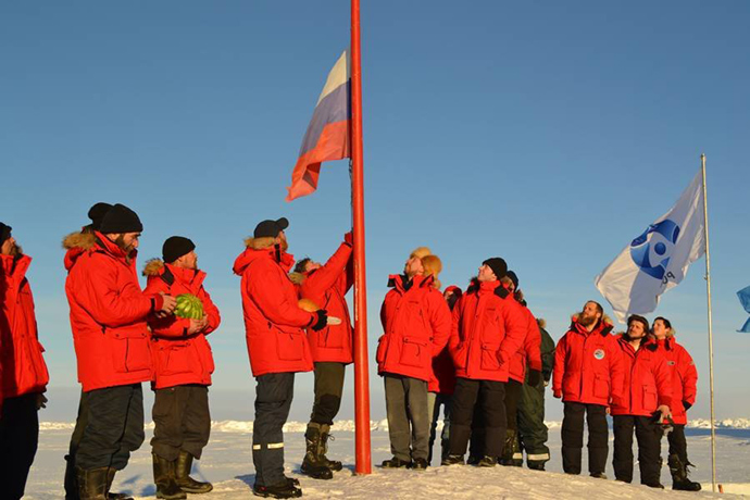 Scientific team at North Pole-39 drifting ice research station (RIA Novosti / Anna Yudina)