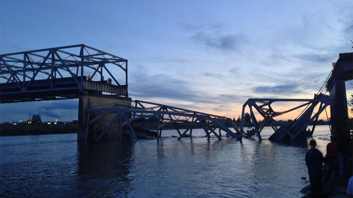 Bridge collapses following truck collision in Washington state, 3 injured