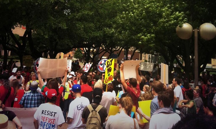 The March Against Monsanto, Dallas. (Image from twitter user@reneefranks)