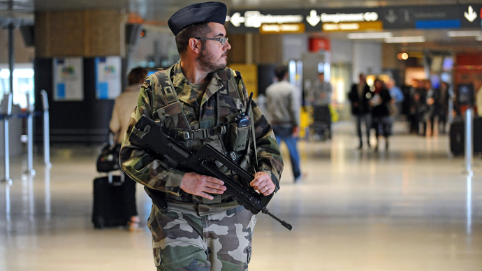 French soldier on duty stabbed by man 'of North African origin' in Paris, manhunt ongoing