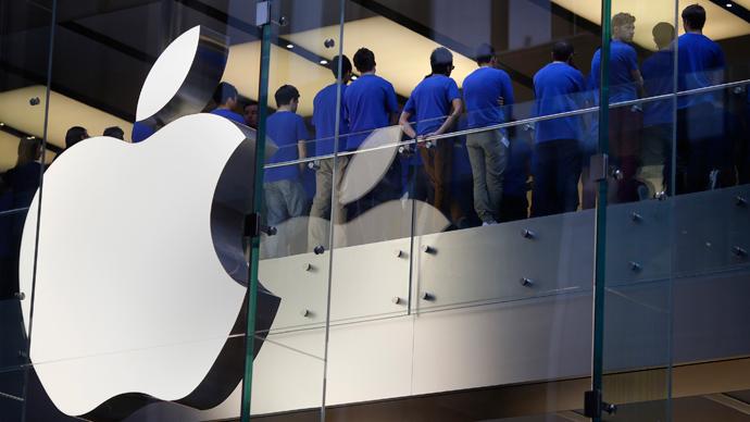 EU probes Apple over its tactics in the European market