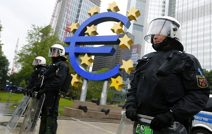 Thousands blockade European Central Bank in Frankfurt (VIDEO, PHOTOS) rtx106rf
