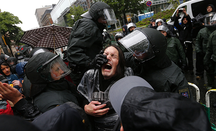 Thousands blockade European Central Bank in Frankfurt (VIDEO, PHOTOS) rtx106sg