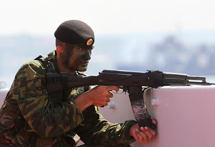 Mock assault landing at a parade on Russian Navy Day in Sevastopol. (RIA Novosti / Alexey Kudenko)