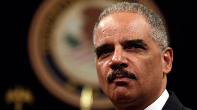 Holder tells reporters he'll stop spying on them