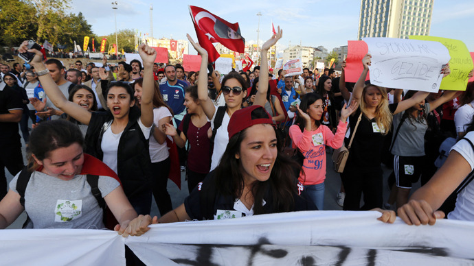 Protesters shout anti-government slogans during a demonstration at Taksim Square in Istanbul. (Reuters / Osman Orsal)