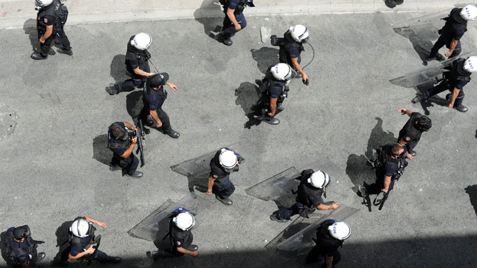 Turkish policeman dead after falling from bridge while pursuing protesters