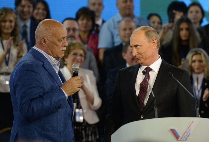 President Vladimir Putin, right, and film director Stanislav Govorukhin at the founding congress of the Russian Popular Front (RIA Novostri / Alexey Filippov)
