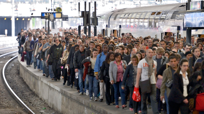 Non bon voyage: French rail system paralyzed by strike after air travel chaos (PHOTOS)