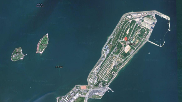 French nuclear submarine base at the Ile Longue island. (Image from Google Maps)