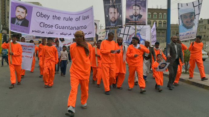 Protesters rally against Gitmo at US Embassy in Yemen (PHOTOS)